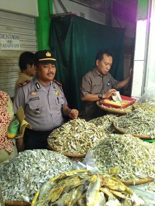 Sidak Muspika Kecamatan Cibinong Terhadap Bahan Berbahaya yang digunakan di Makanan